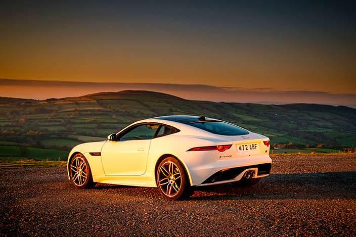 Спортивное купе Jaguar F-Type Checkered Flag Edition