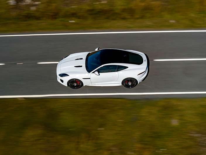 Юбилейный Jaguar F-Type Checkered Flag Edition