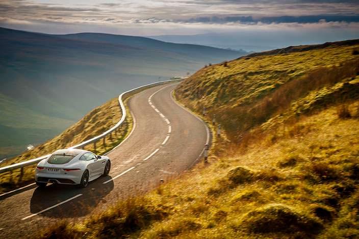 Jaguar F-Type Checkered Flag Edition. Цена от $79 808