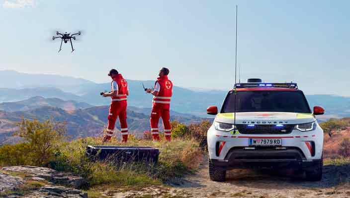 Красный Крест взял в автопарк Land Rover Discovery с дроном