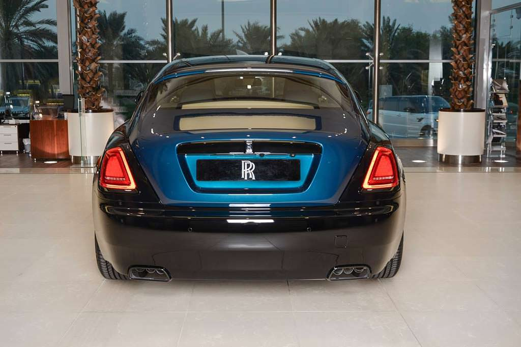 Элитное купе Rolls-Royce Wraith Black Badge