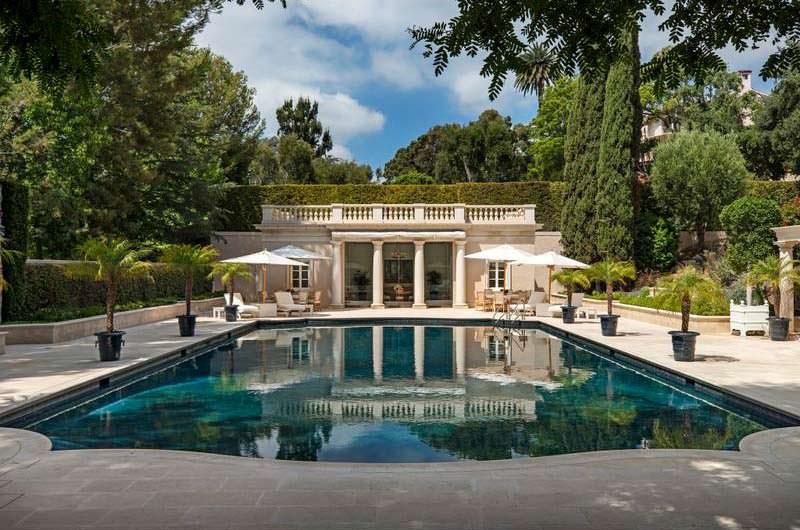Плавательный бассейн по проекту архитектора Уоллеса Неффа