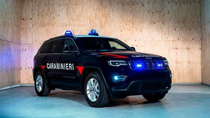 Бронированный полицейский Jeep Grand Cherokee Carabinieri