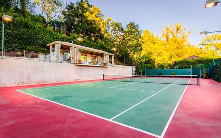 Собственный теннисный корт на участке