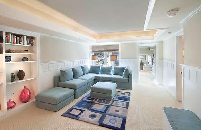 Угловой диван в доме Николь Кидман