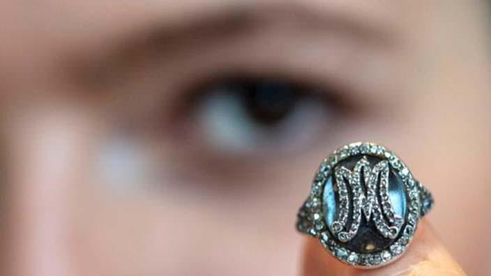 Драгоценное кольцо с монограммой Марии-Антуанетты