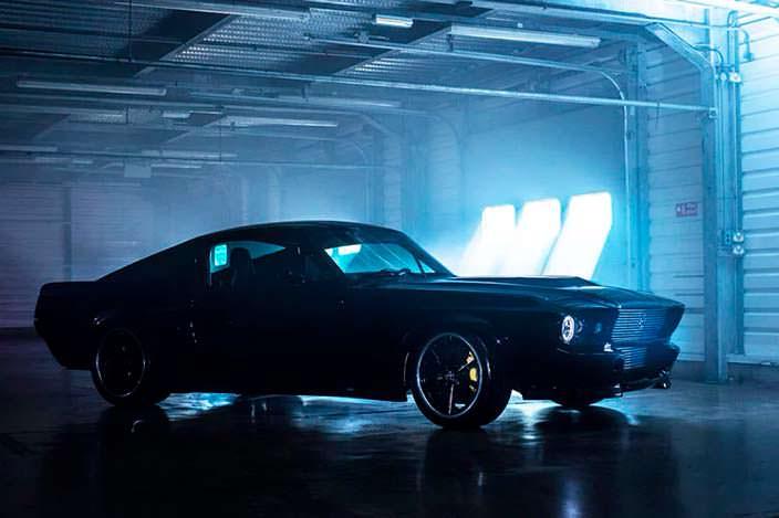 Классический Ford Mustang 1960-х превратили в электромобиль