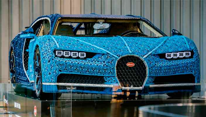 Полноразмерный Lego Bugatti Chiron отправился в музей   фото