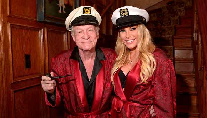 Любимый красный халат Хью Хефнера продадут с аукциона | цена