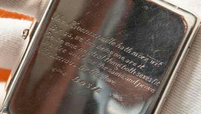 Портсигар Оскара Уайльда оценили на аукционе от £25 000