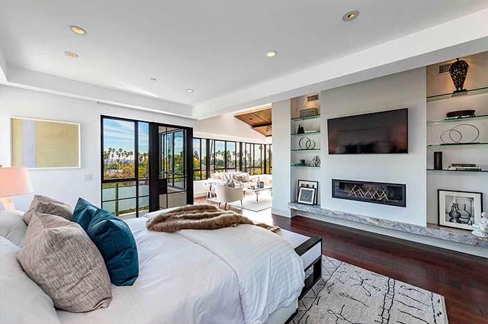 Главная спальня с собственной гостиной