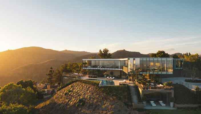Дом с 9 спальнями в Бель-Эйр продают по цене $56 млн. Фото