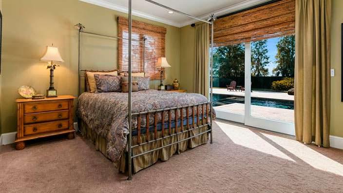 Гостевая спальня в доме