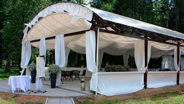 Услуга аренды шатров и палаток - база для выездных мероприятий