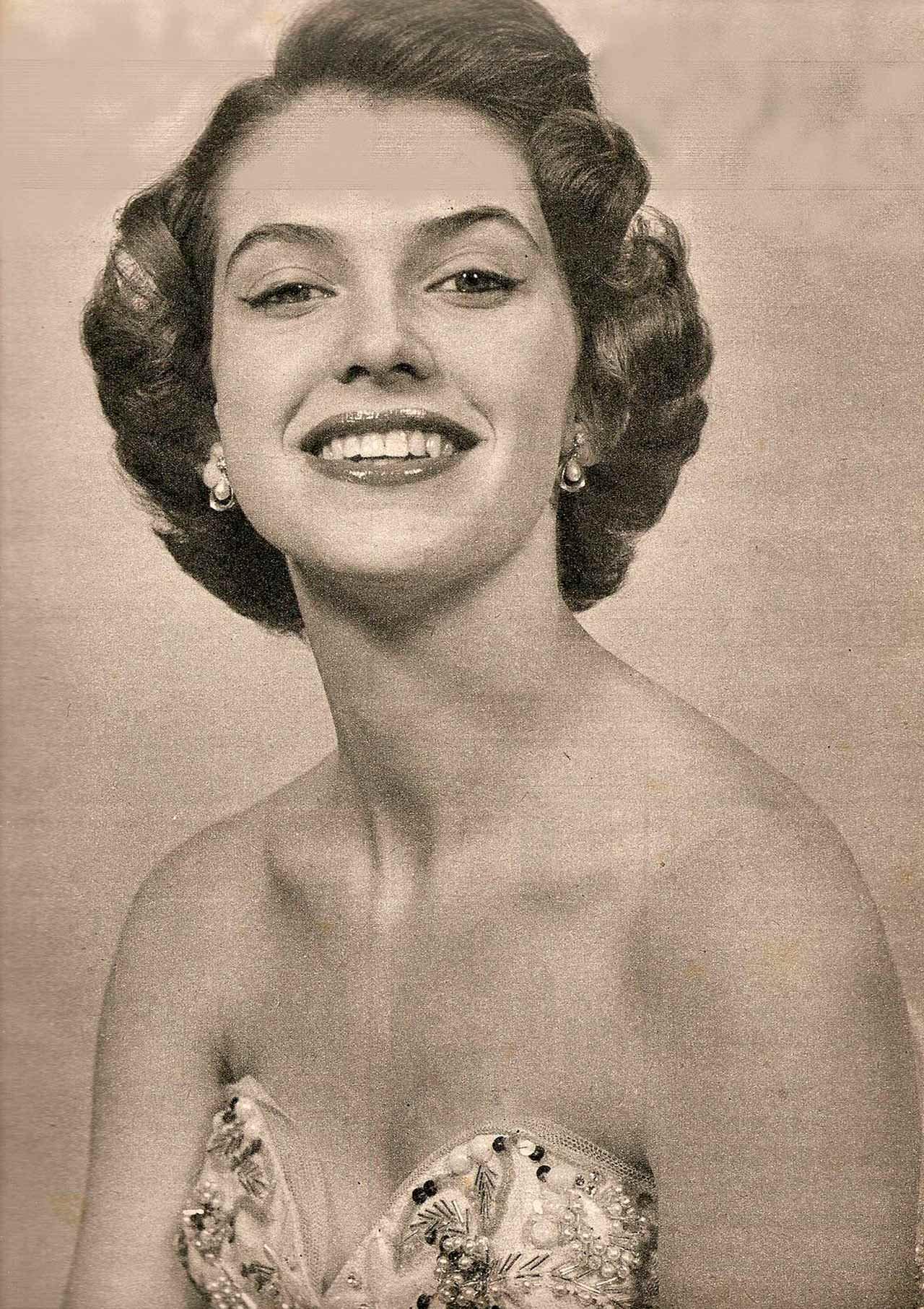 Фото   Мисс Мира 1952 года Май-Луиза Флудин