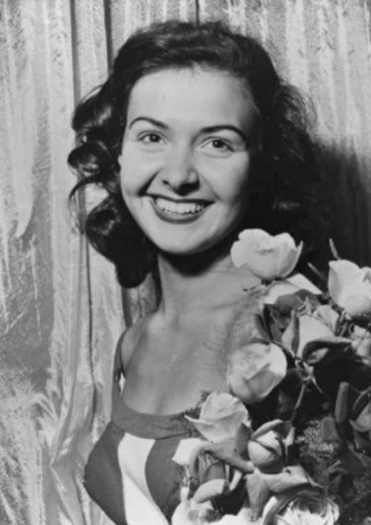 Фото   Мисс Мира 1953 года Дениз Перье