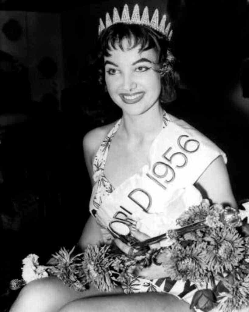 Фото   Мисс Мира 1956 года Петра Шюрманн