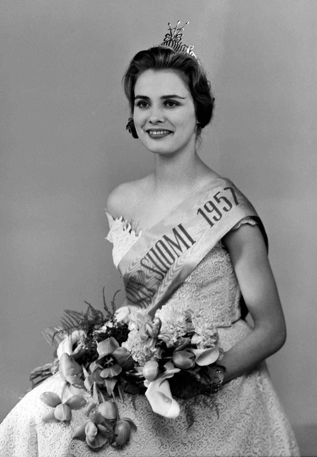 Фото   Мисс Мира 1957 года Марита Линдаль