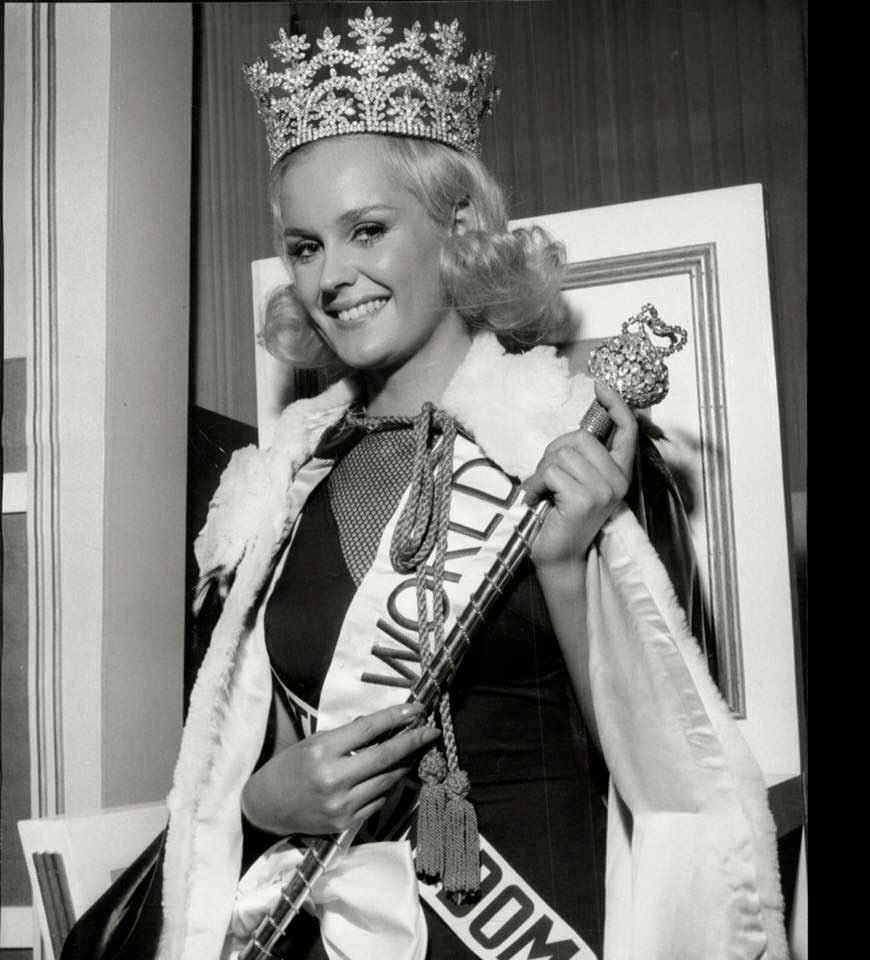 Фото   Мисс 1965 года Лесли Лэнгли