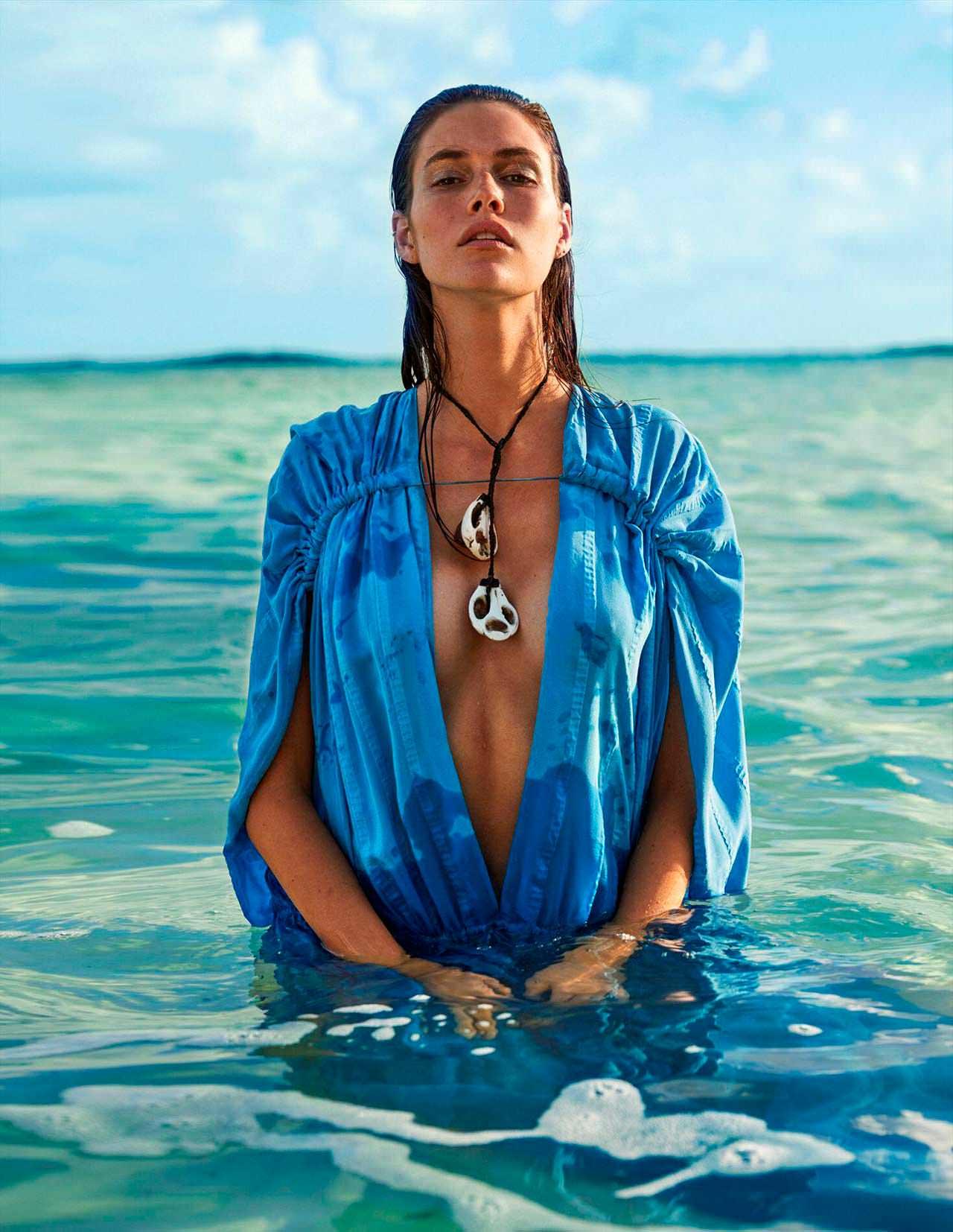 Фото   Ванесса Муді в купальнику