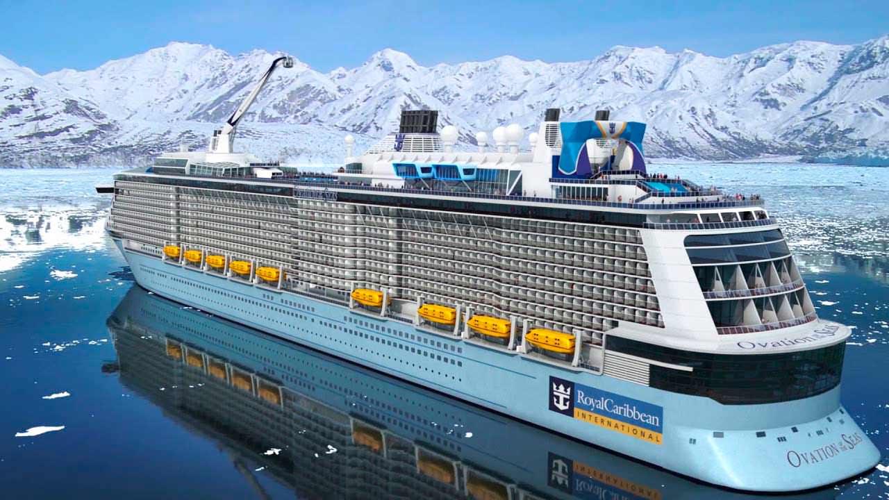 Большой круизный лайнер Ovation Of The Seas