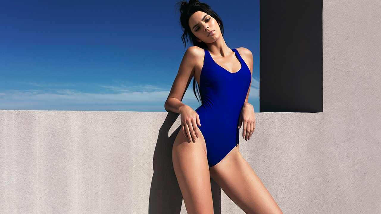 Фото   Кендалл Дженнер в купальнику