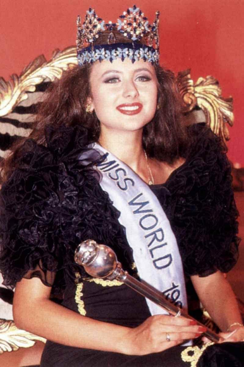 Фото   Мисс Мира 1992 года Юлия Курочкина