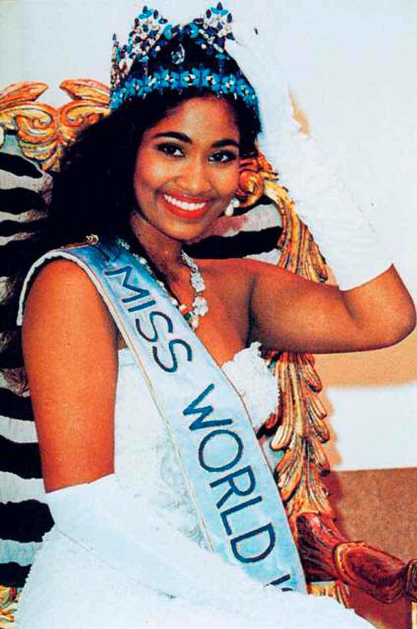 Фото   Мисс Мира 1993 года Лиза Ханна