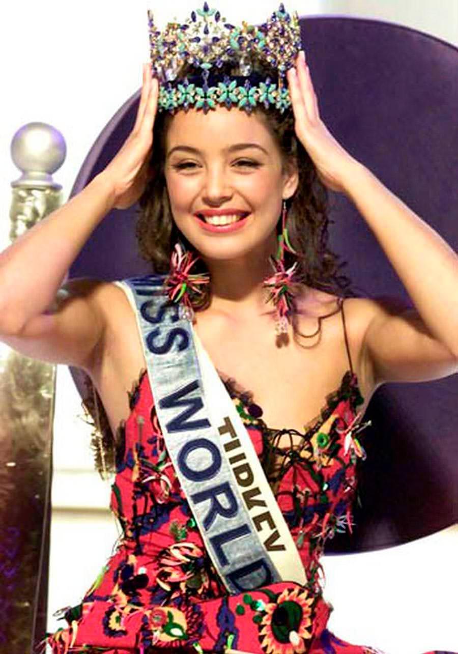 Фото   Мисс Мира 2002 года Азра Акын