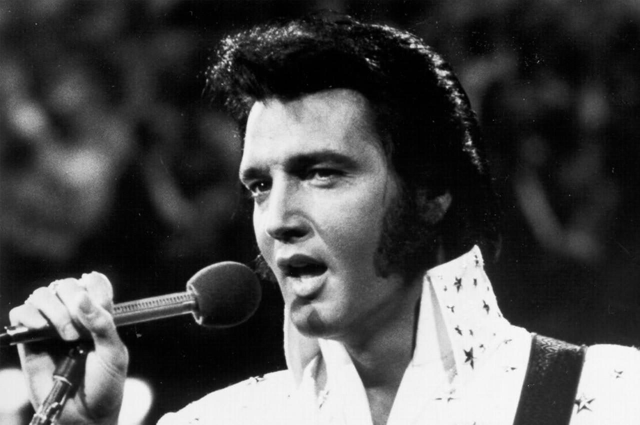 Гитара Элвиса Пресли из продана на аукционе. Цена $1,3 млн