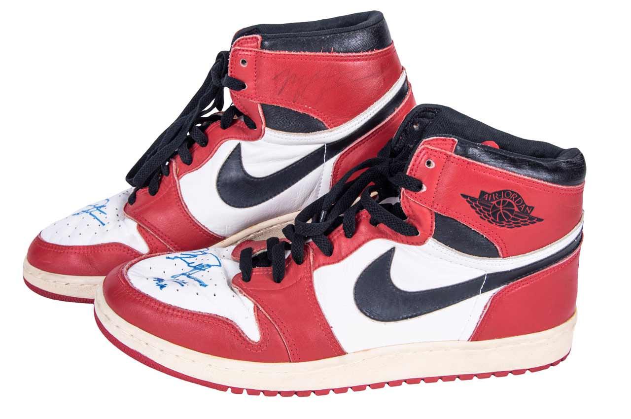 Кроссовки Майкла Джордана с автографом продаются за $600 000