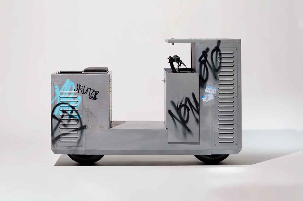 Джои Райдер сделал урбанистический мотороллер NOMOTO