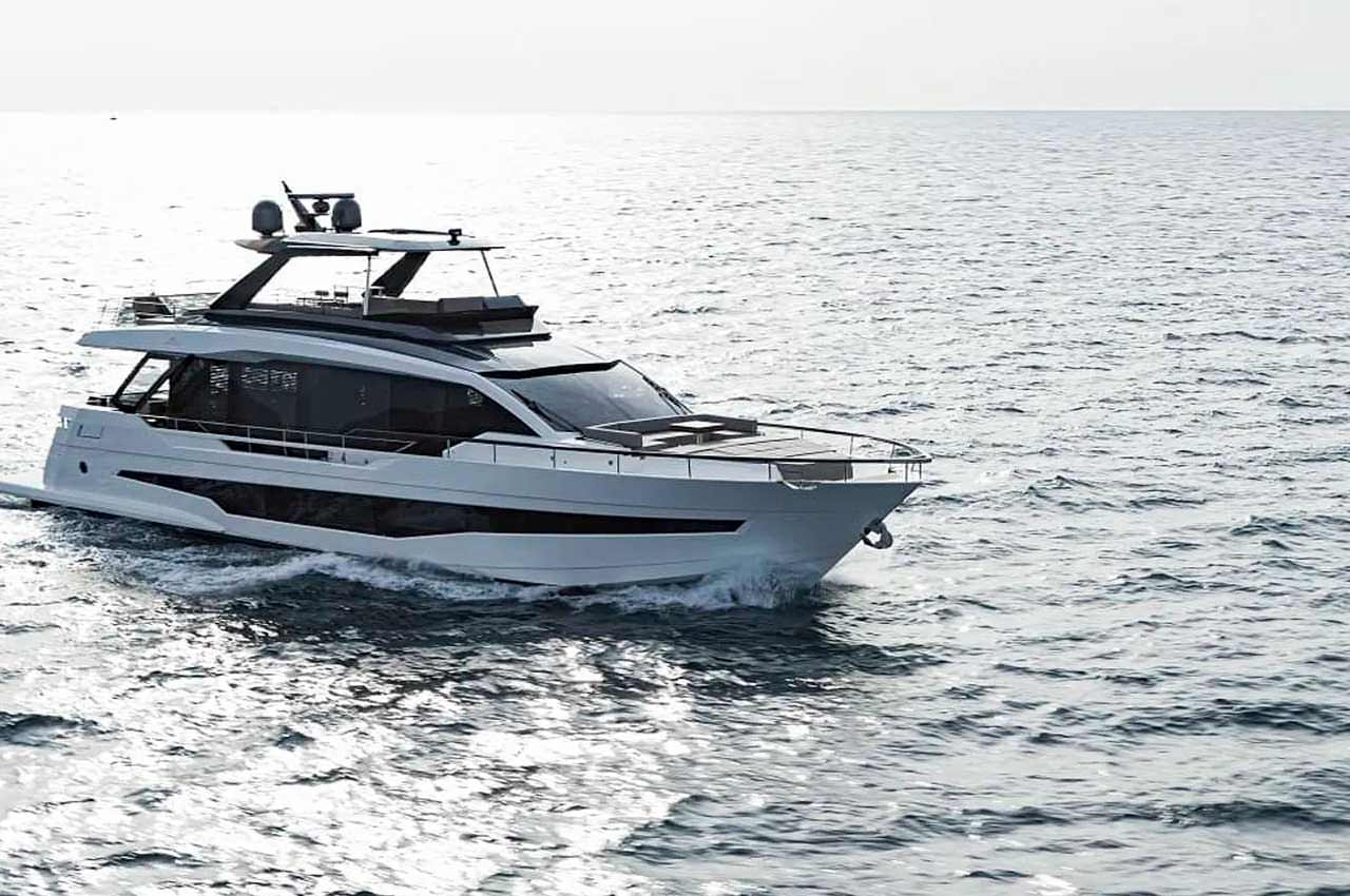 Astondoa сделала яхту с флайбриджем AS8 длиной 25 м. | фото