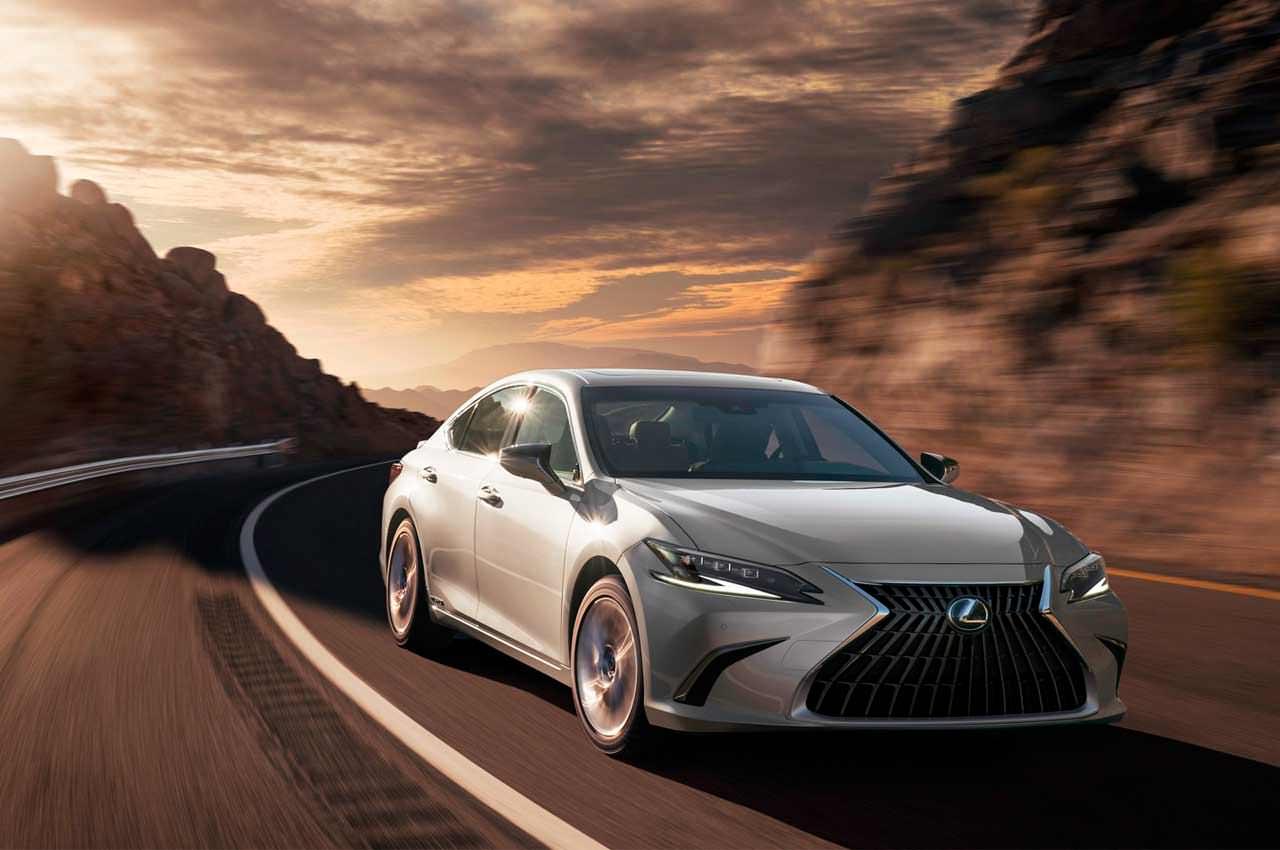 Седан Lexus ES обновился на 2022 год официально | фото