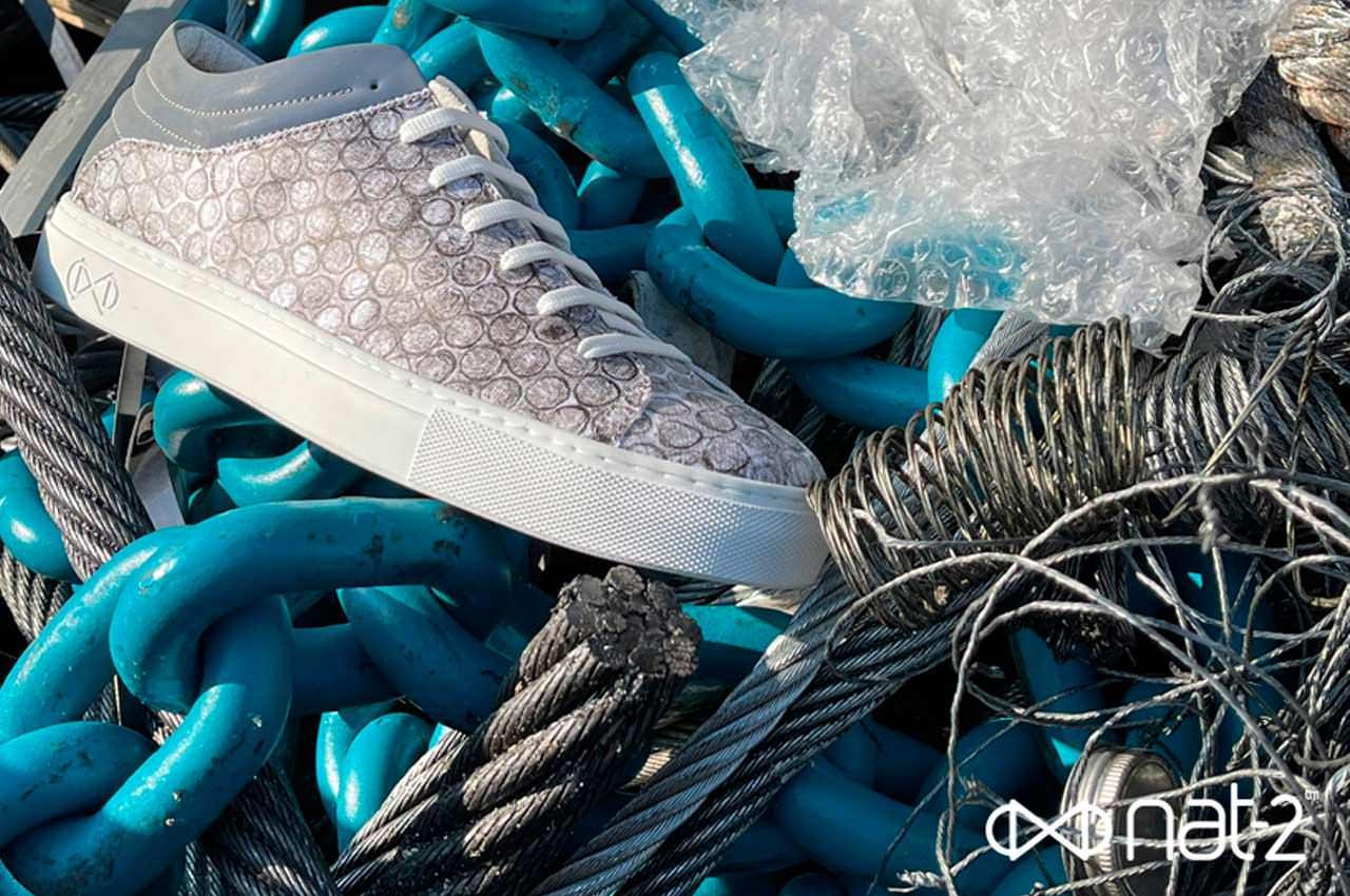 Nat-2™ сделала кроссовки из переработанной пупырчатой плёнки