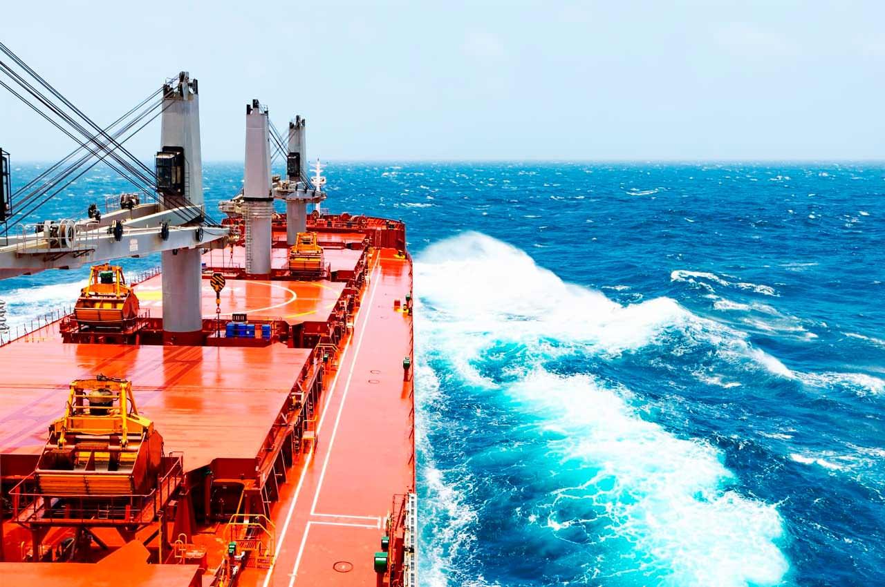Чем выполняют перевозку сыпучих навалочных грузов по морю