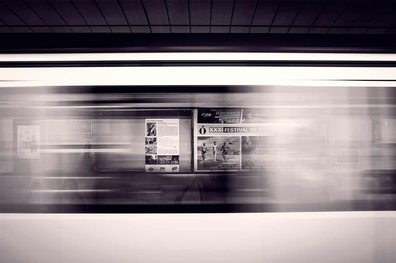 Популярные виды рекламы в метро