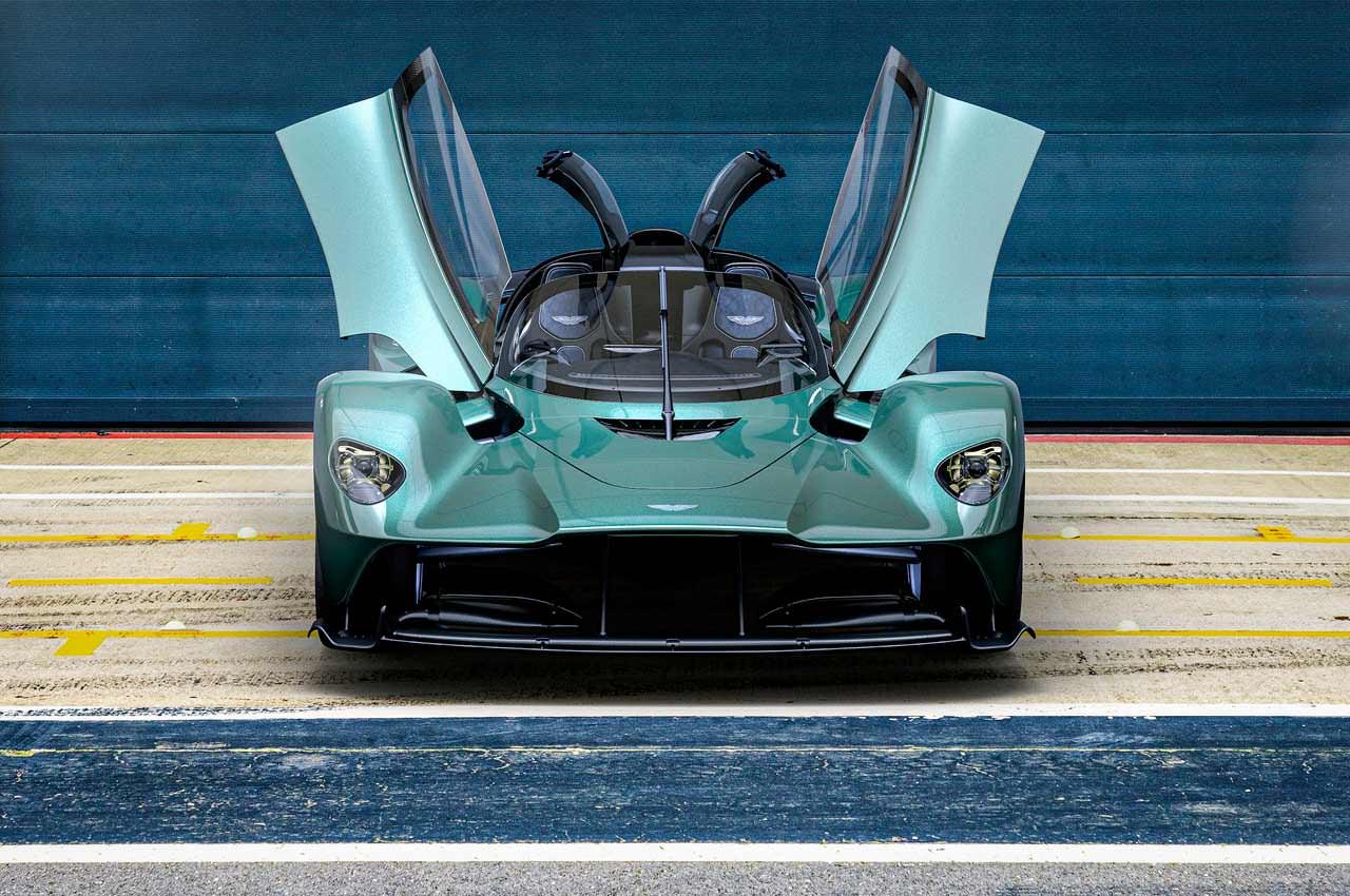 Новый Aston Martin Valkyrie V12 Spider рассекречен официально