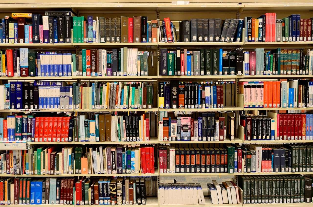 Де придбати підручники та посібники для школяра та зекономити