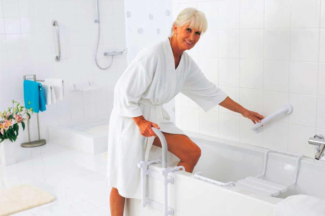 Как подготовить ванную комнату для пожилого человека?