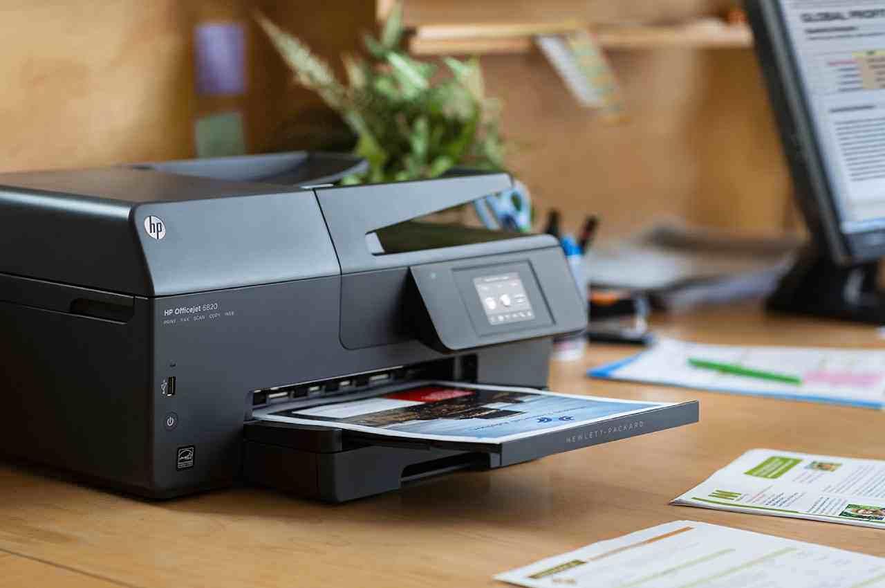 Что выгоднее: купить домашний принтер или сбегать в копицентр