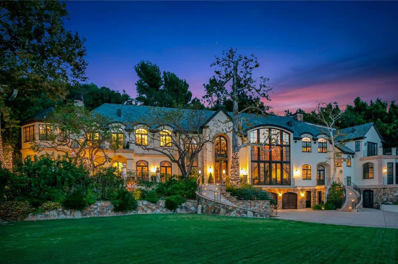 Музыкант Джин Симмонс из группы Kiss продал дом за $16 млн