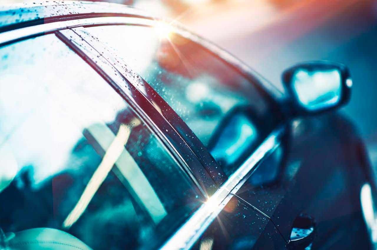 Как меняют боковое стекло в машине и сколько занимает времени